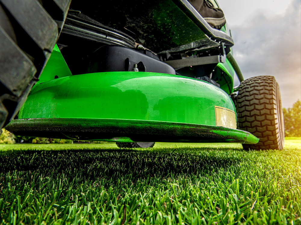Mowing Service and Lawn Maintenance